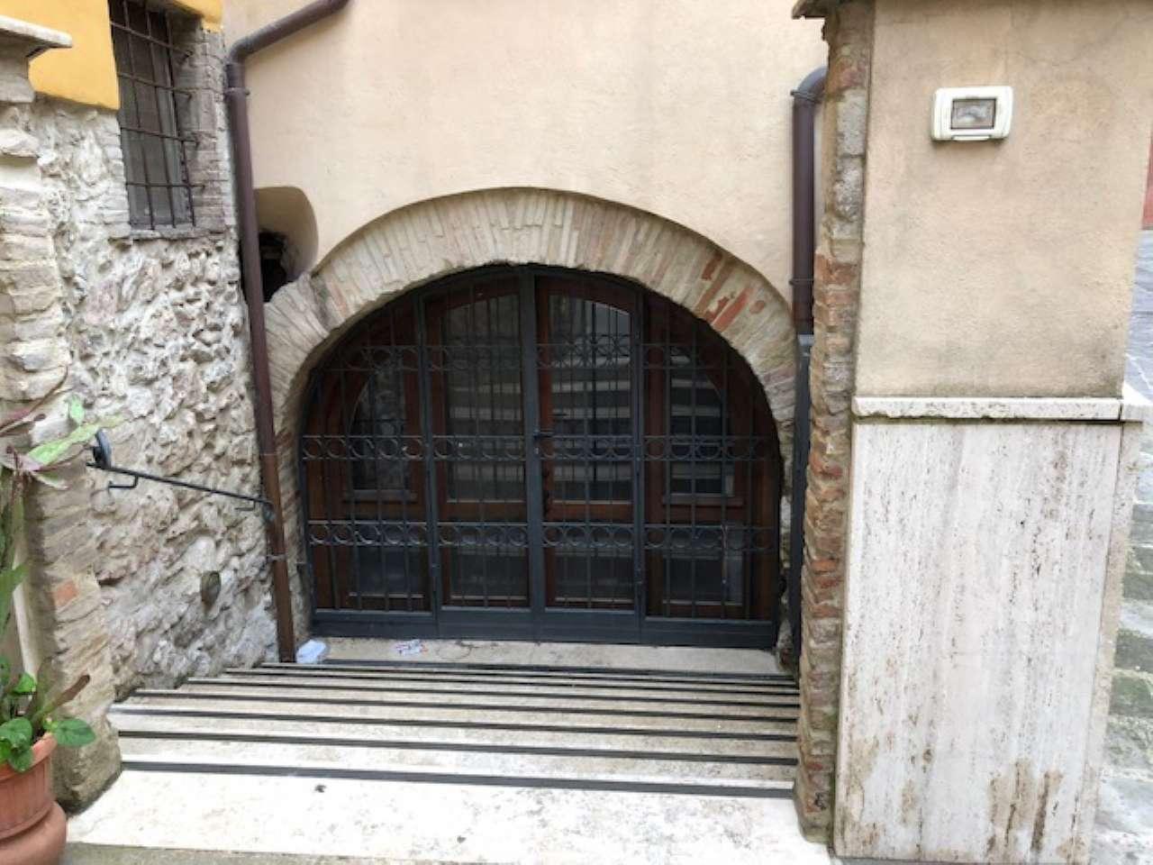 Appartamento ristrutturato arredato in vendita Rif. 6599522