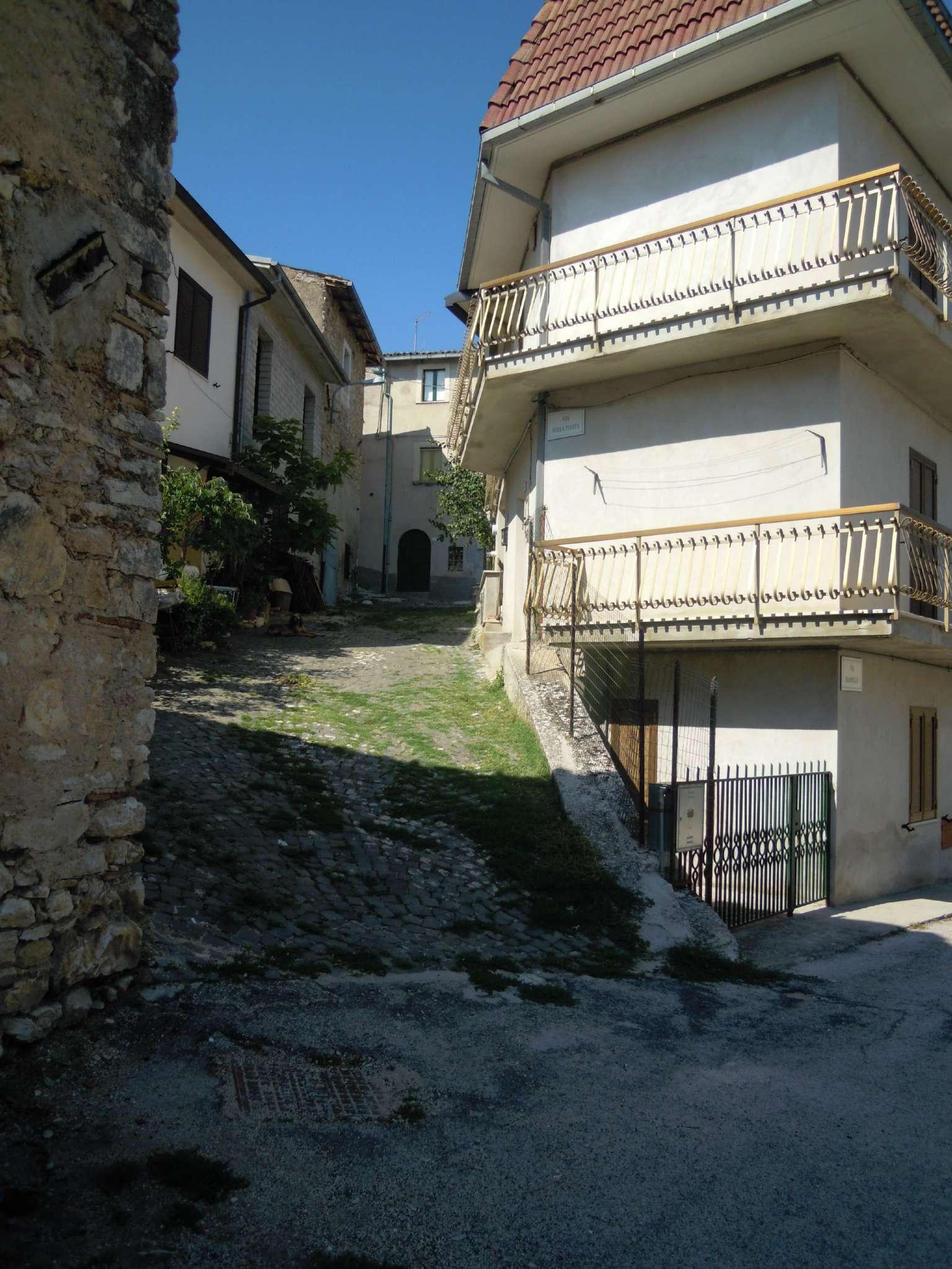 Appartamento in vendita a Barete, 3 locali, prezzo € 70.000 | CambioCasa.it