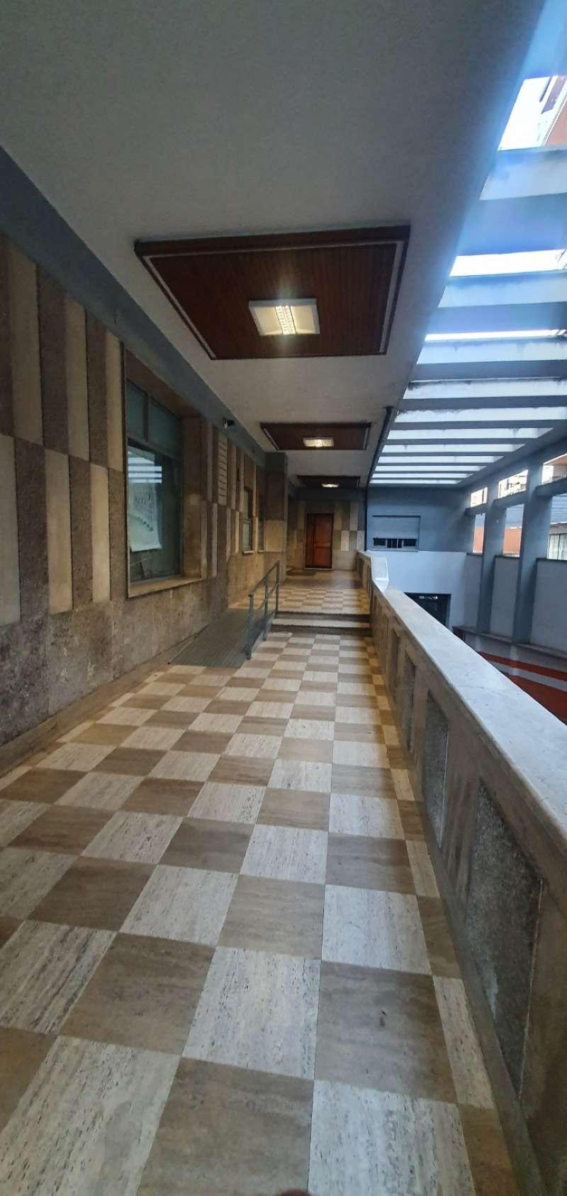 Appartamento in vendita a Roma, 3 locali, zona Zona: 16 . Appia nuova - Alberone - Colli Albani, prezzo € 320.000 | CambioCasa.it