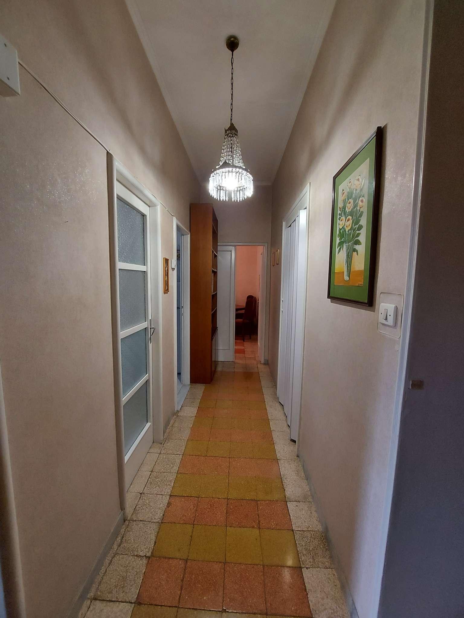 Appartamento in vendita a Roma, 2 locali, zona Zona: 16 . Appia nuova - Alberone - Colli Albani, prezzo € 200.000 | CambioCasa.it