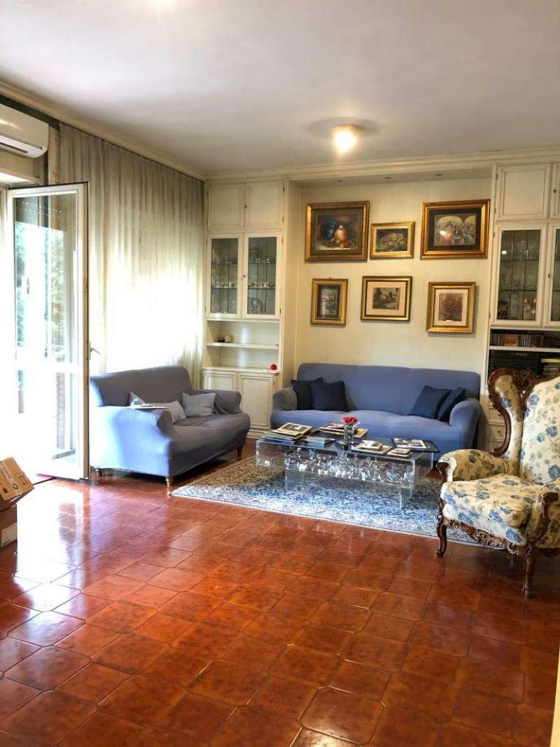 Appartamento in vendita a Roma, 4 locali, zona Zona: 22 . Eur - Torrino - Spinaceto, prezzo € 545.000 | CambioCasa.it