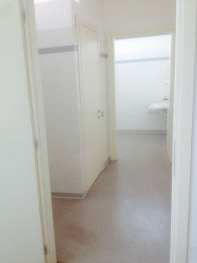 Ufficio / Studio in affitto a Roncadelle, 9999 locali, prezzo € 2.800 | PortaleAgenzieImmobiliari.it