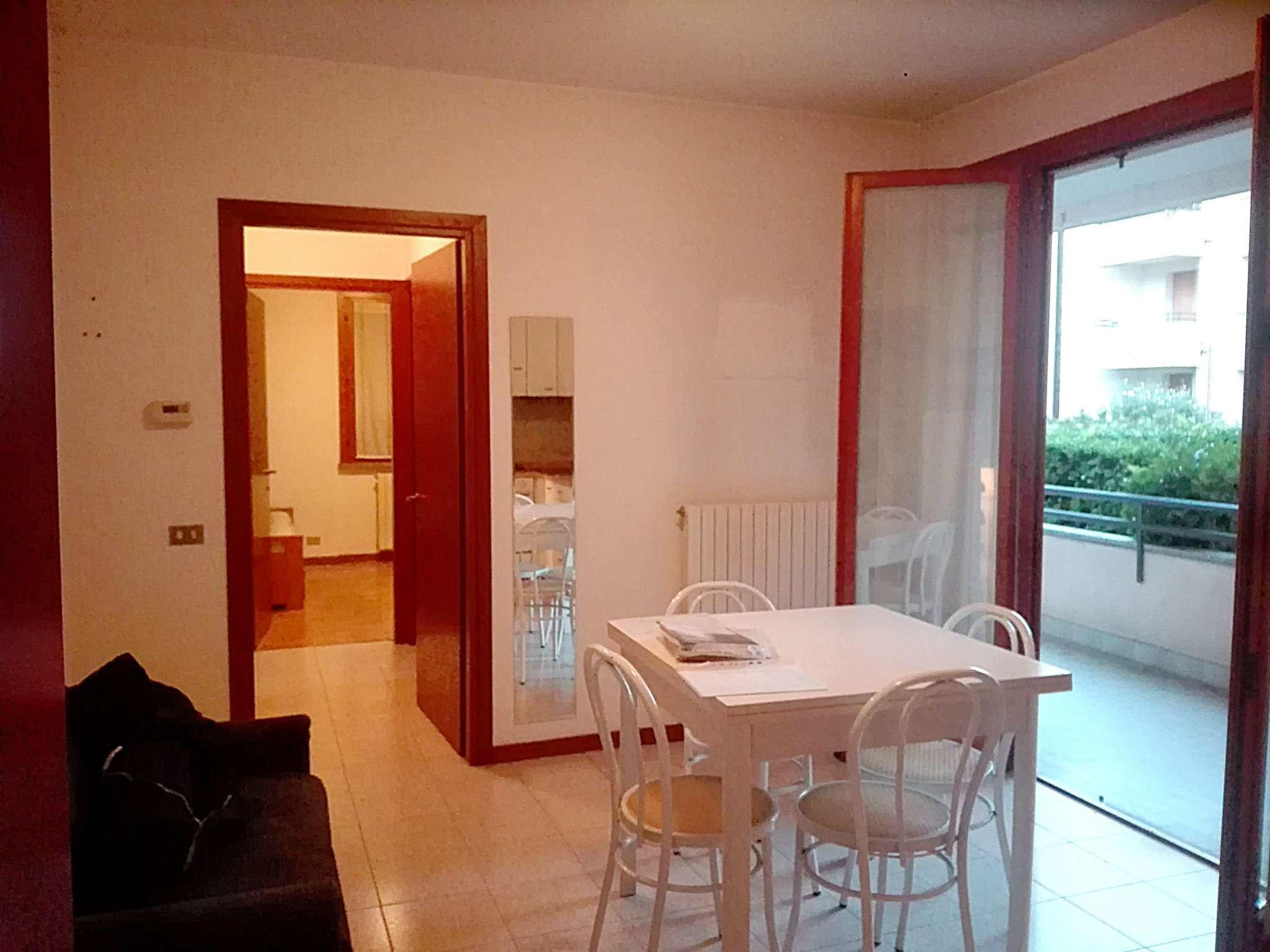 Appartamento in affitto a Lissone, 2 locali, prezzo € 650 | CambioCasa.it