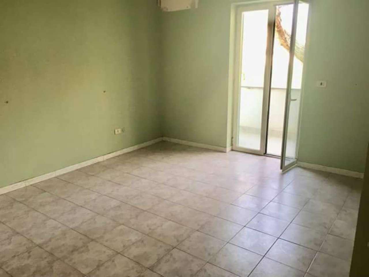 Appartamento in affitto a Marigliano, 4 locali, prezzo € 420   CambioCasa.it