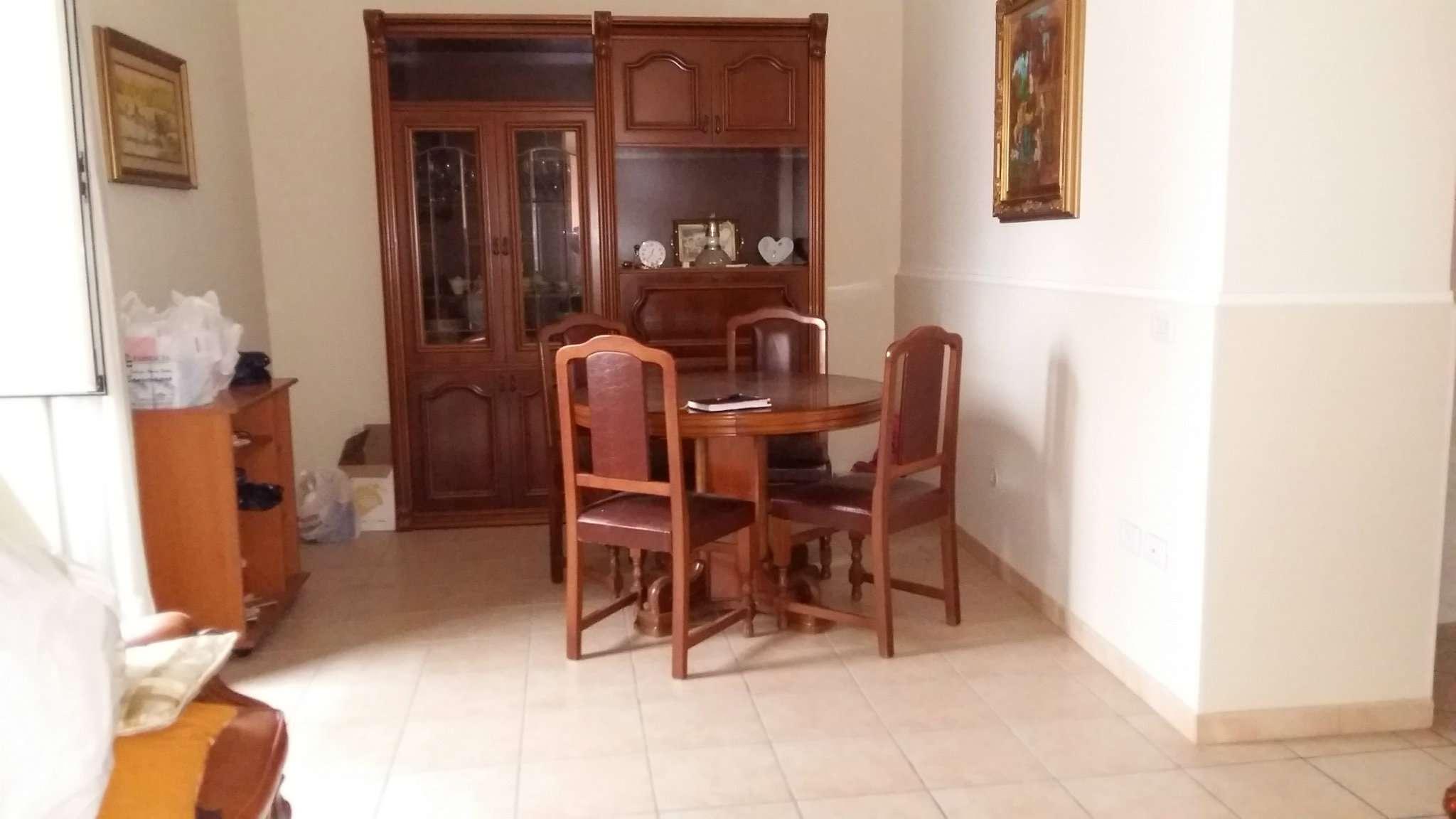 Appartamento in buone condizioni in vendita Rif. 6074733