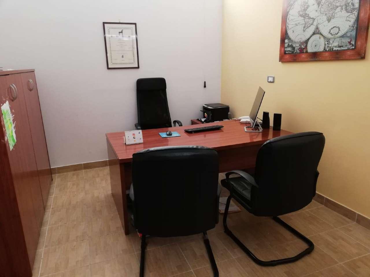 Ufficio / Studio in affitto a Marigliano, 3 locali, prezzo € 400 | CambioCasa.it