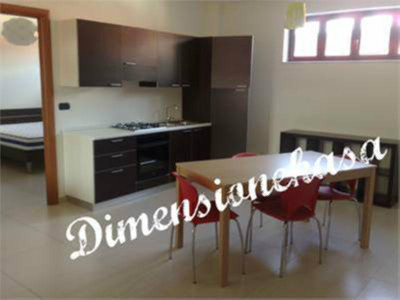 Appartamento in buone condizioni arredato in affitto Rif. 9125412