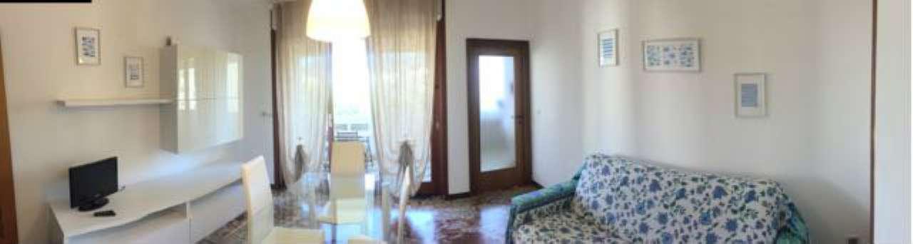 Appartamento in buone condizioni arredato in affitto Rif. 6376704