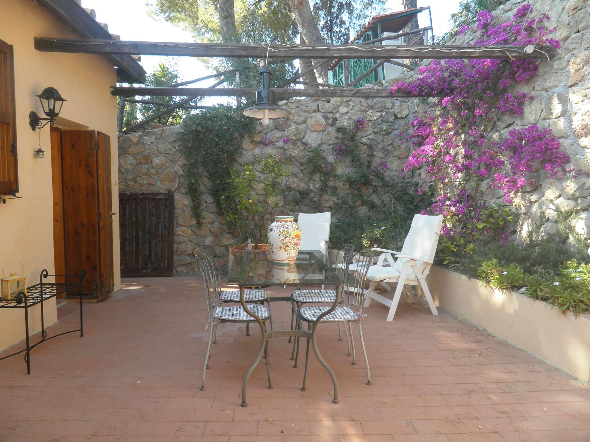 Casa Indipendente in buone condizioni parzialmente arredato in vendita Rif. 5012643
