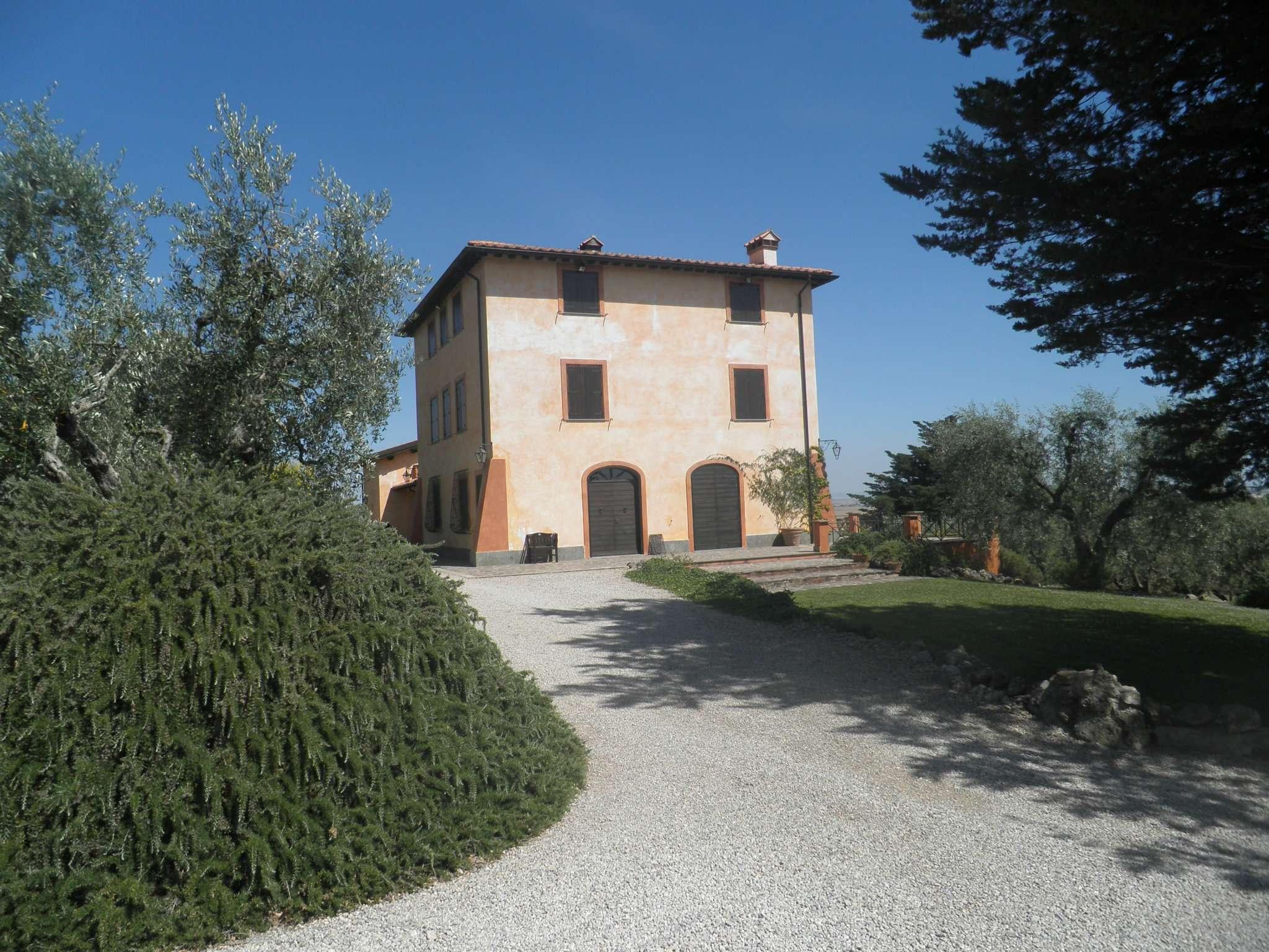 Villetta a schiera ristrutturato arredato in vendita Rif. 7203355