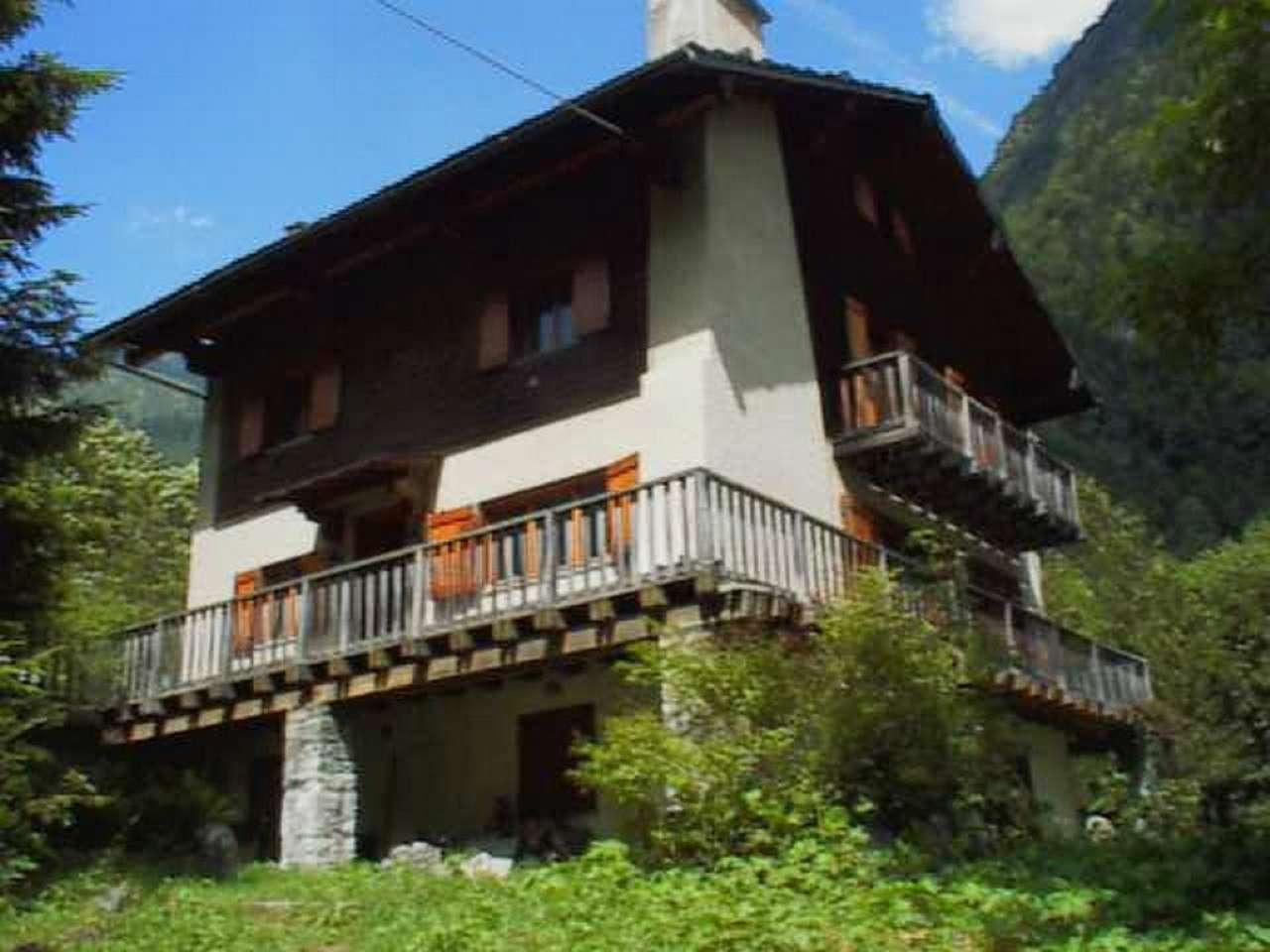 Villa in vendita a Alagna Valsesia, 10 locali, prezzo € 1.550.000 | CambioCasa.it