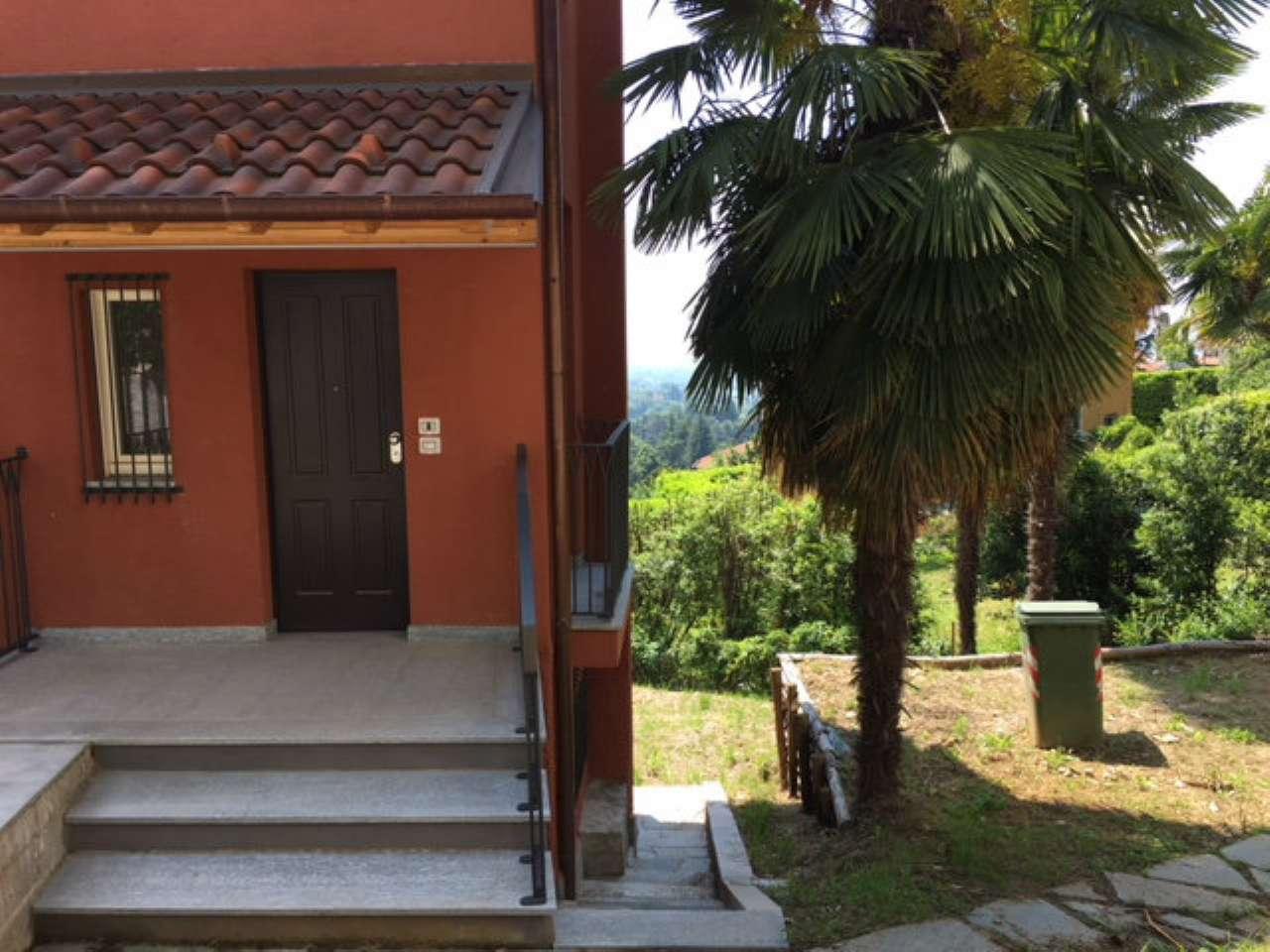 Pino Torinese, appartamento in bifamiliare con giardino privato.