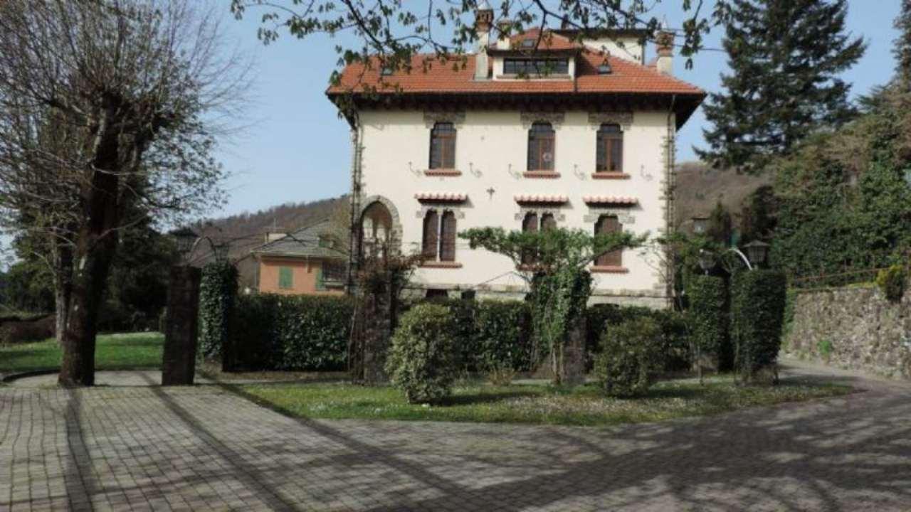 Appartamento in vendita a Torriglia, 6 locali, prezzo € 110.000   CambioCasa.it