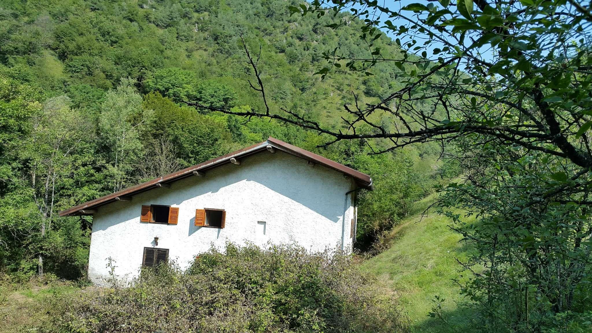 Rustico / Casale in vendita a Vobarno, 6 locali, prezzo € 160.000 | CambioCasa.it