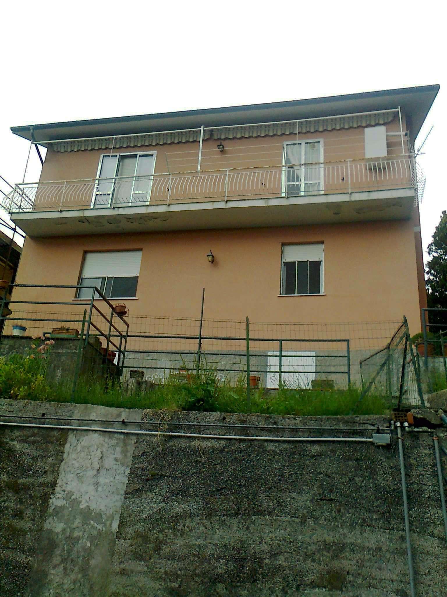 Appartamento in buone condizioni in vendita Rif. 8647041