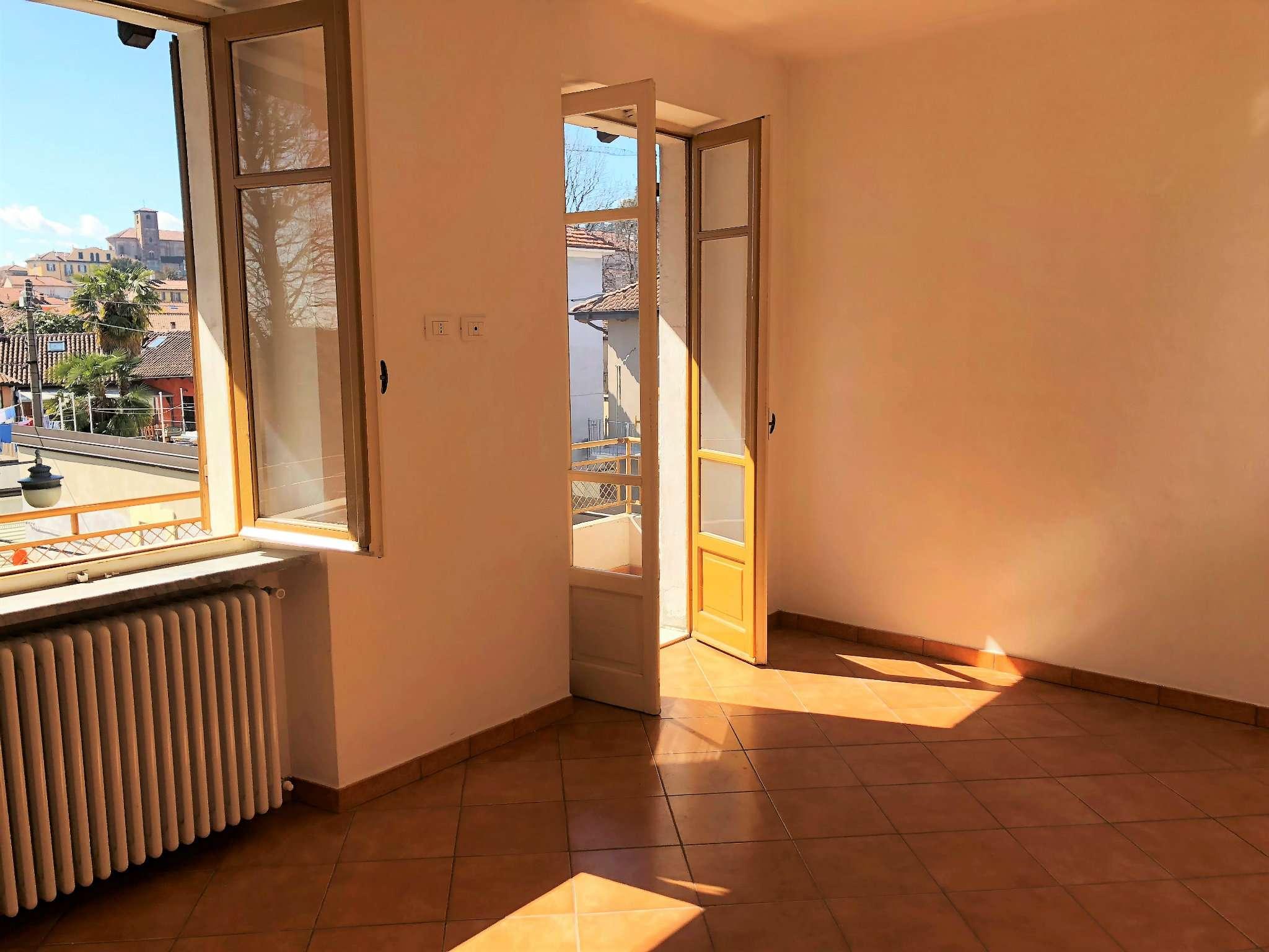 Appartamento ristrutturato parzialmente arredato in affitto Rif. 7004201