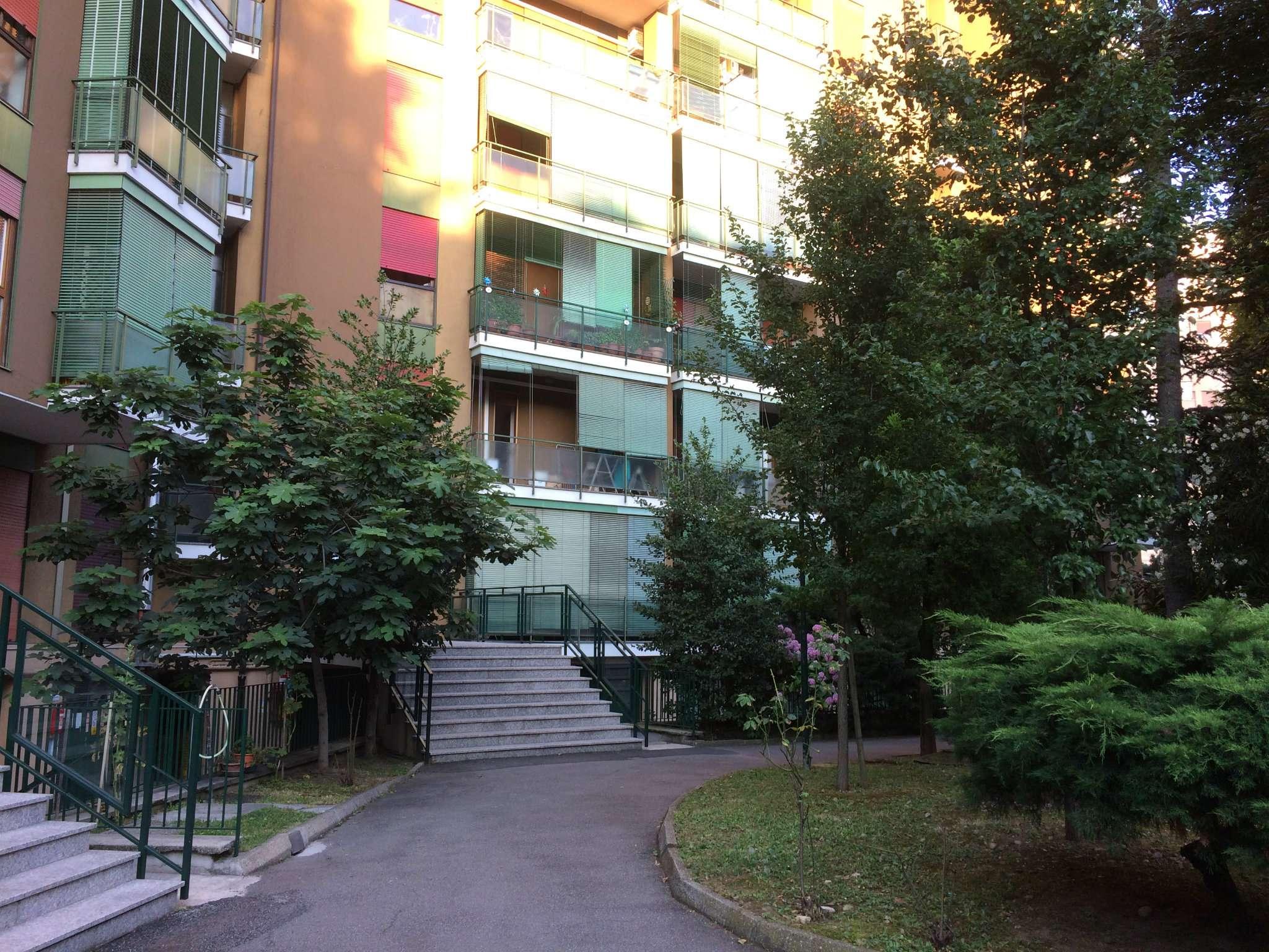 Appartamento in buone condizioni parzialmente arredato in vendita Rif. 7947425
