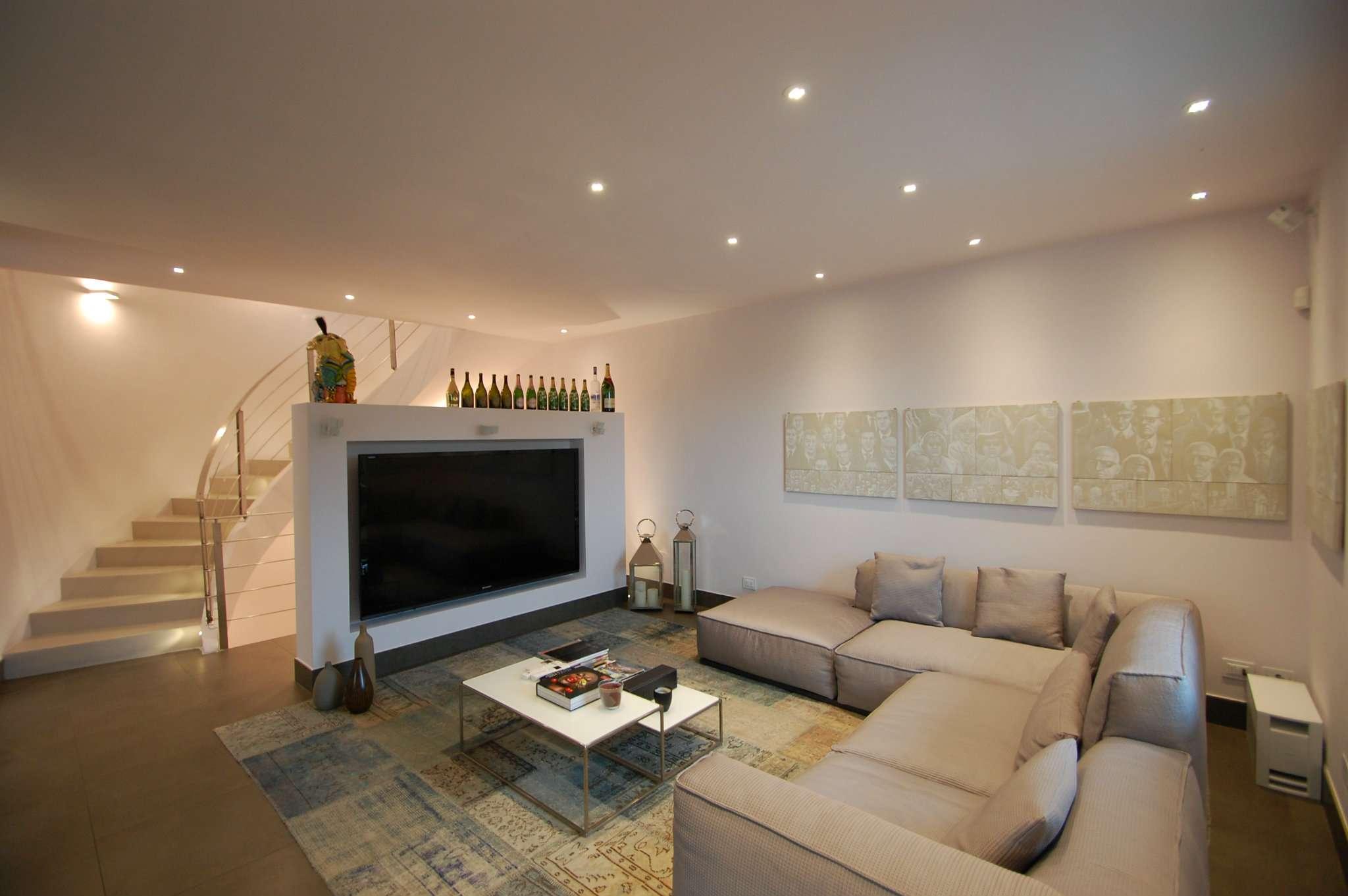 Villa in ottime condizioni in vendita Rif. 6479124