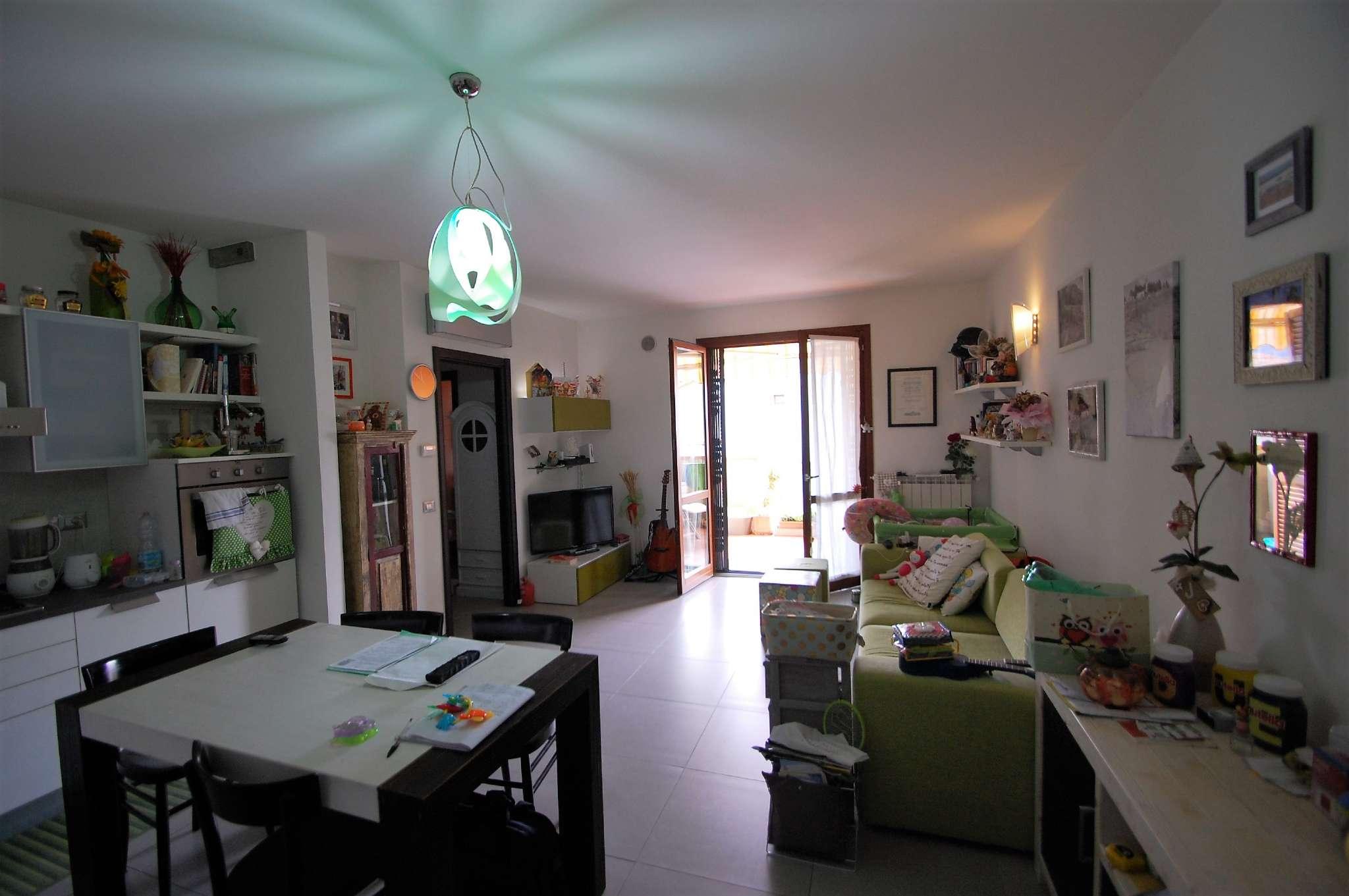 Appartamento in ottime condizioni in vendita Rif. 8647067