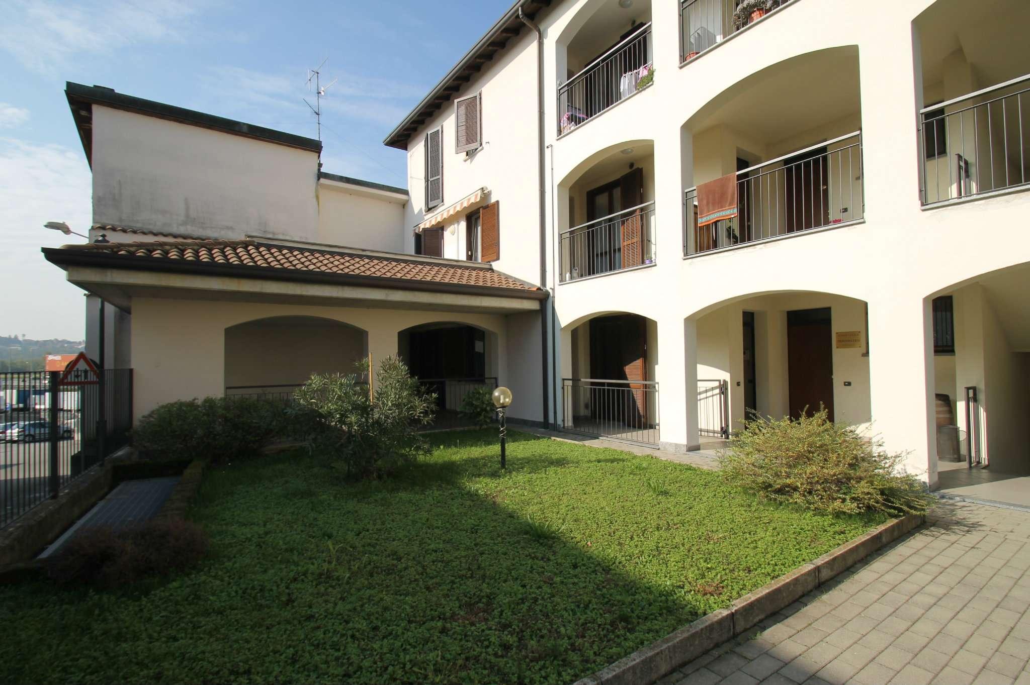 Appartamento in buone condizioni in vendita Rif. 5018711