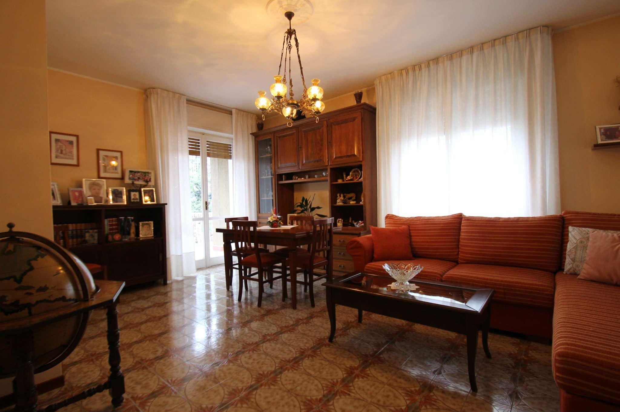 Appartamento in buone condizioni in vendita Rif. 5018725