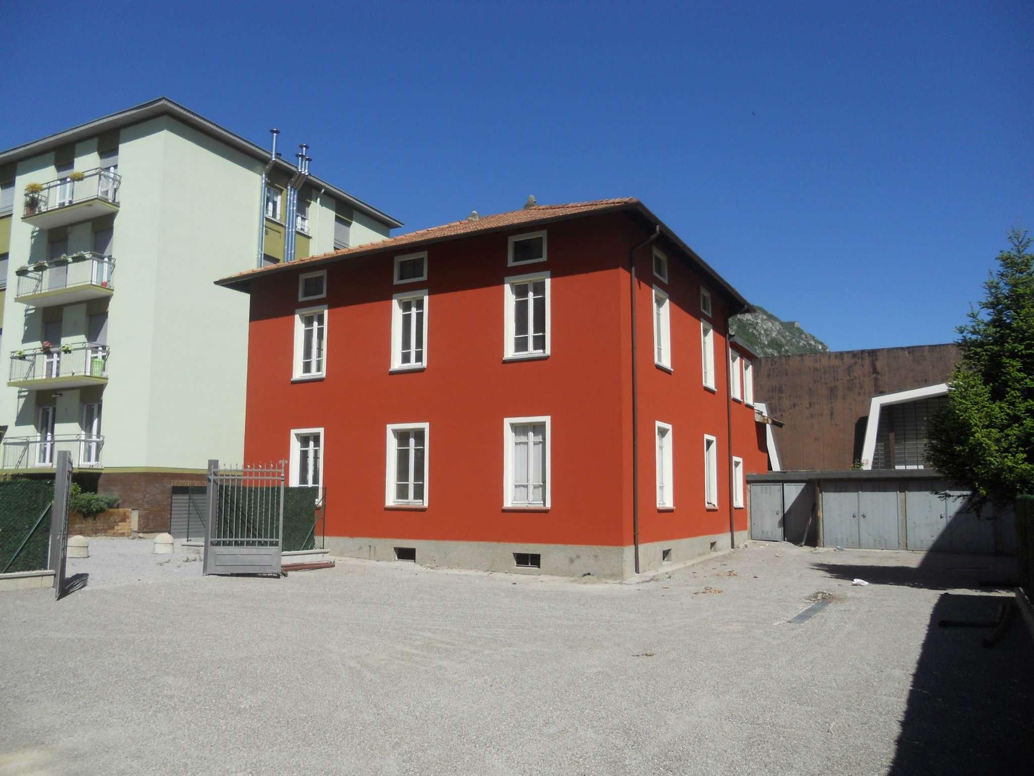 Villa in Vendita a Garlate