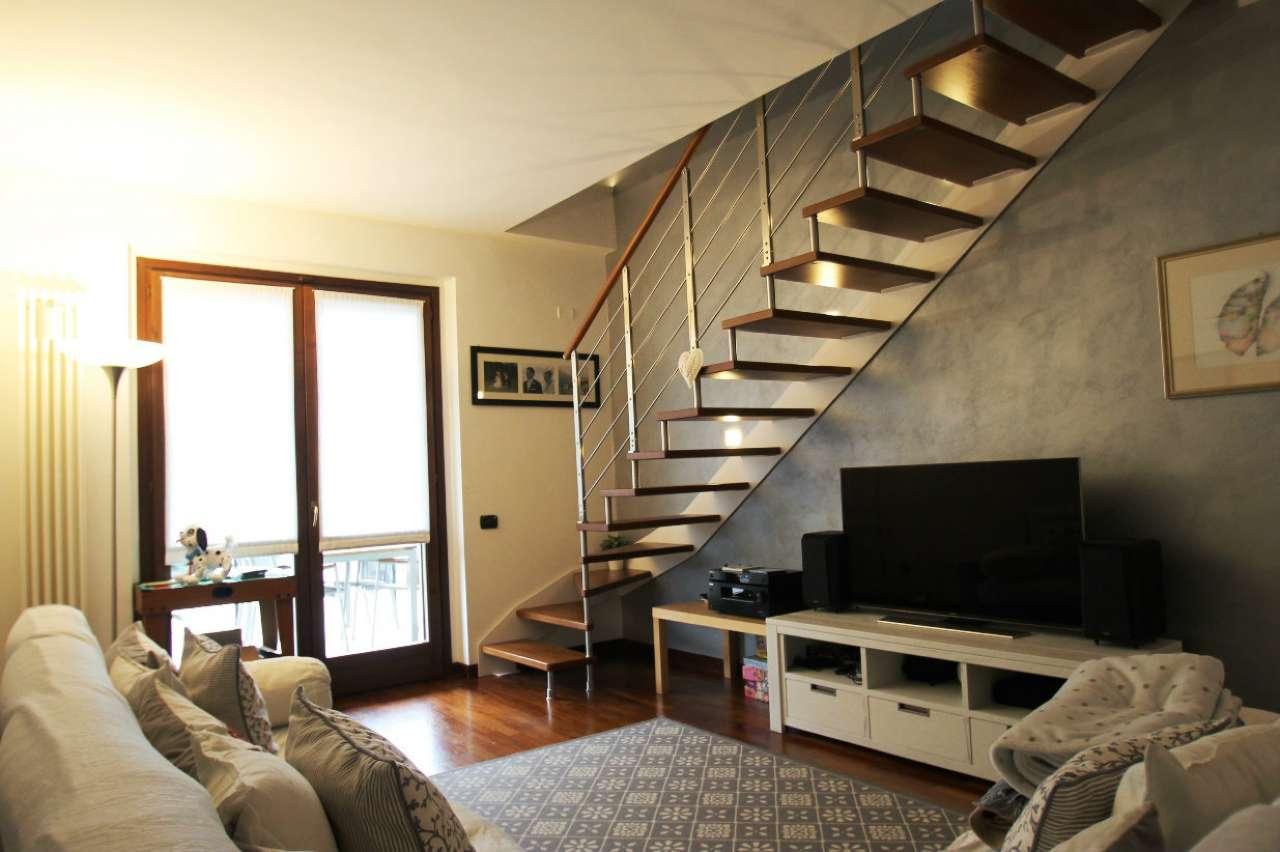 Appartamento in ottime condizioni in vendita Rif. 6813321