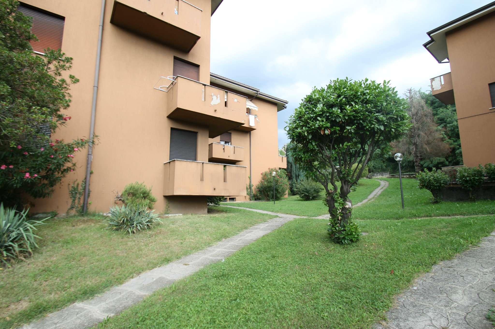 Appartamento in buone condizioni in vendita Rif. 7910584