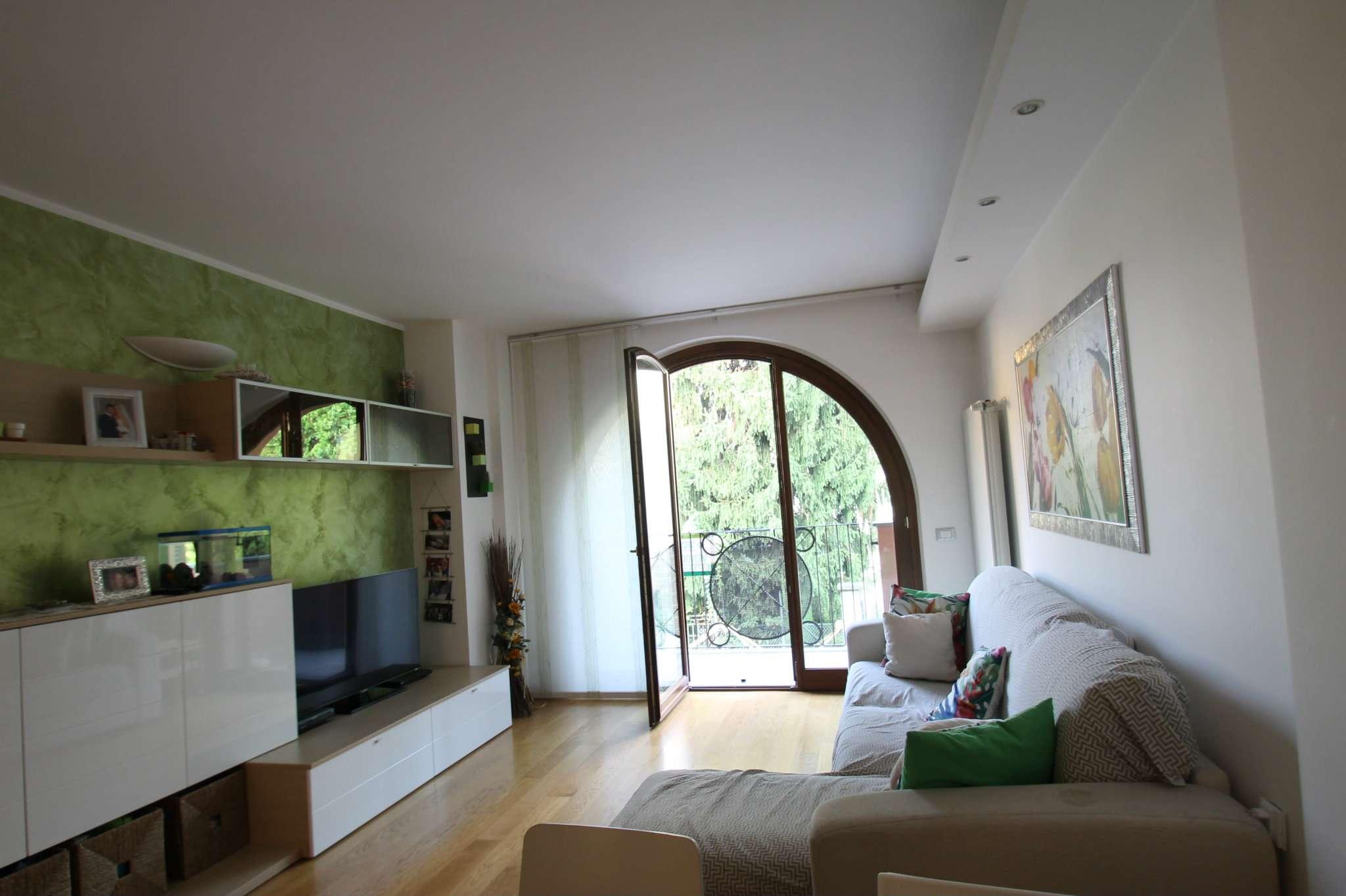 Appartamento in ottime condizioni in vendita Rif. 7910585