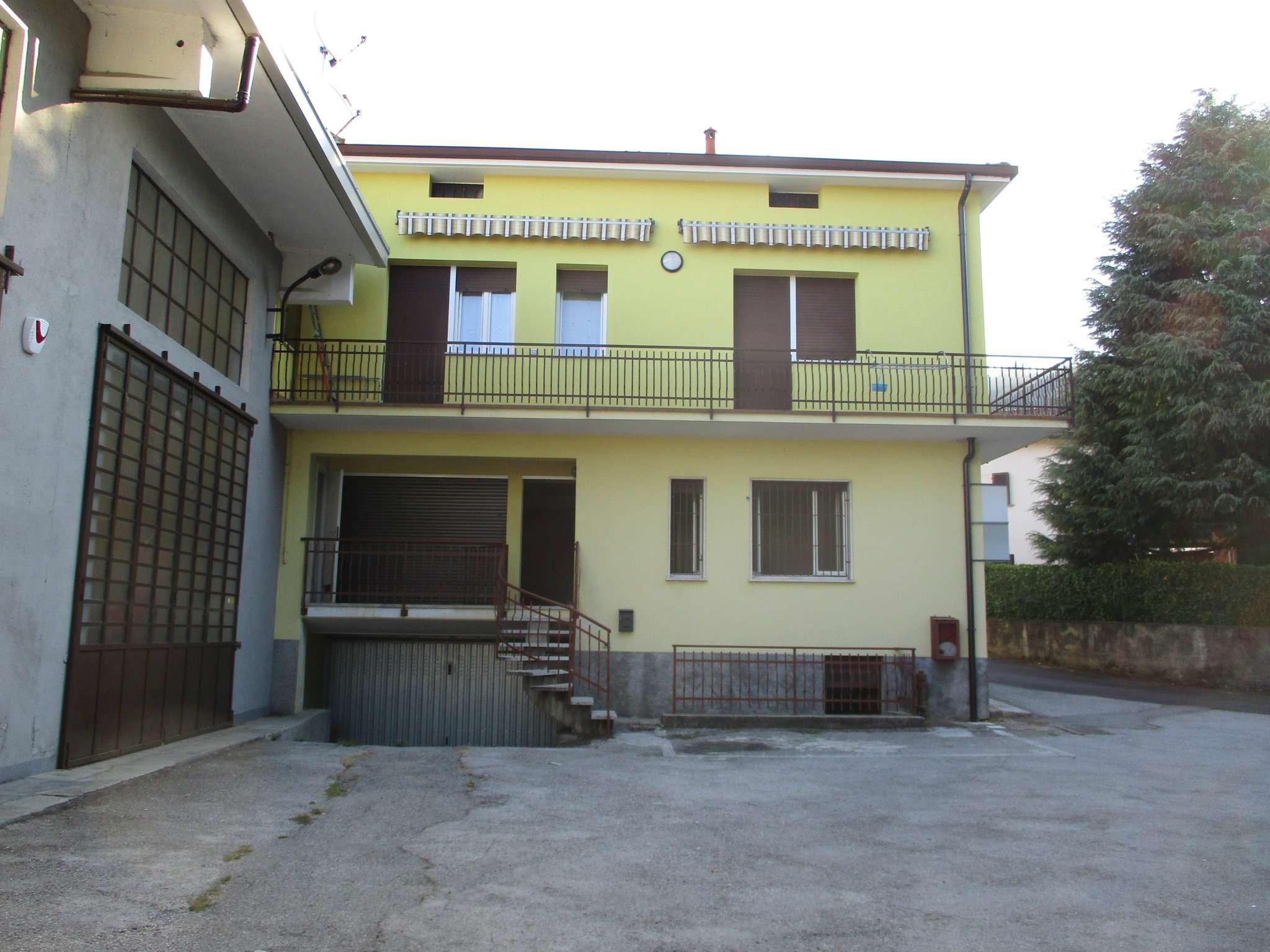 Appartamento trilocale con box in affitto a Castello Brianza