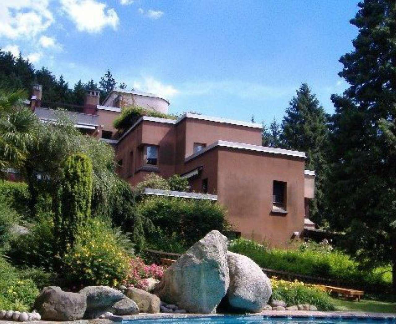 Appartamento in vendita con piscina e campo da tennis a Barzano'