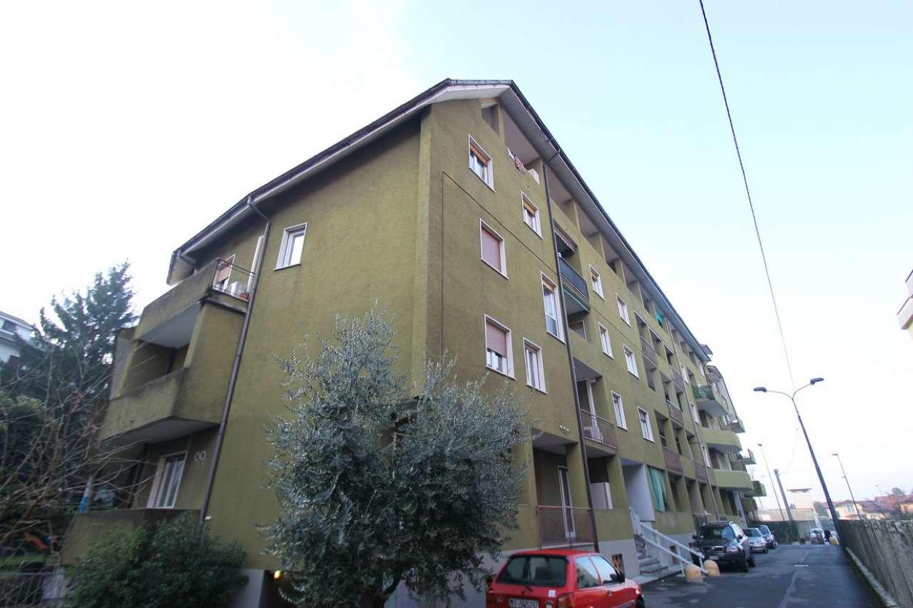 Appartamento in buone condizioni arredato in affitto Rif. 8975324