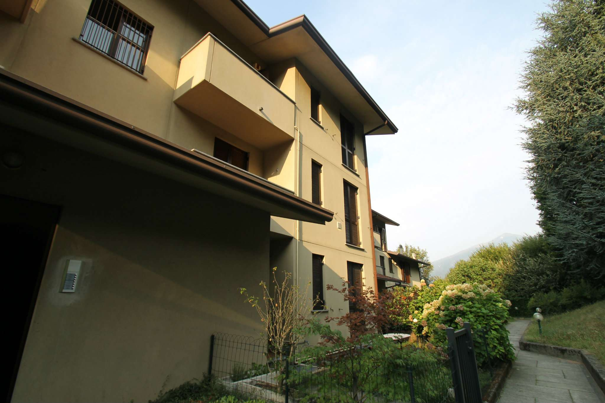 Appartamento in affitto a Galbiate, 2 locali, prezzo € 480   CambioCasa.it