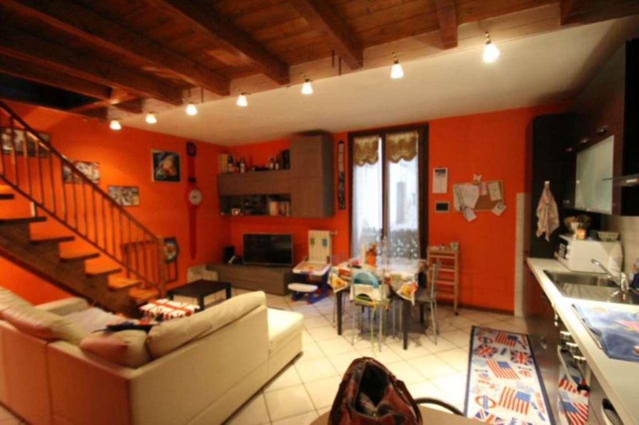 Appartamento in buone condizioni in vendita Rif. 5018673