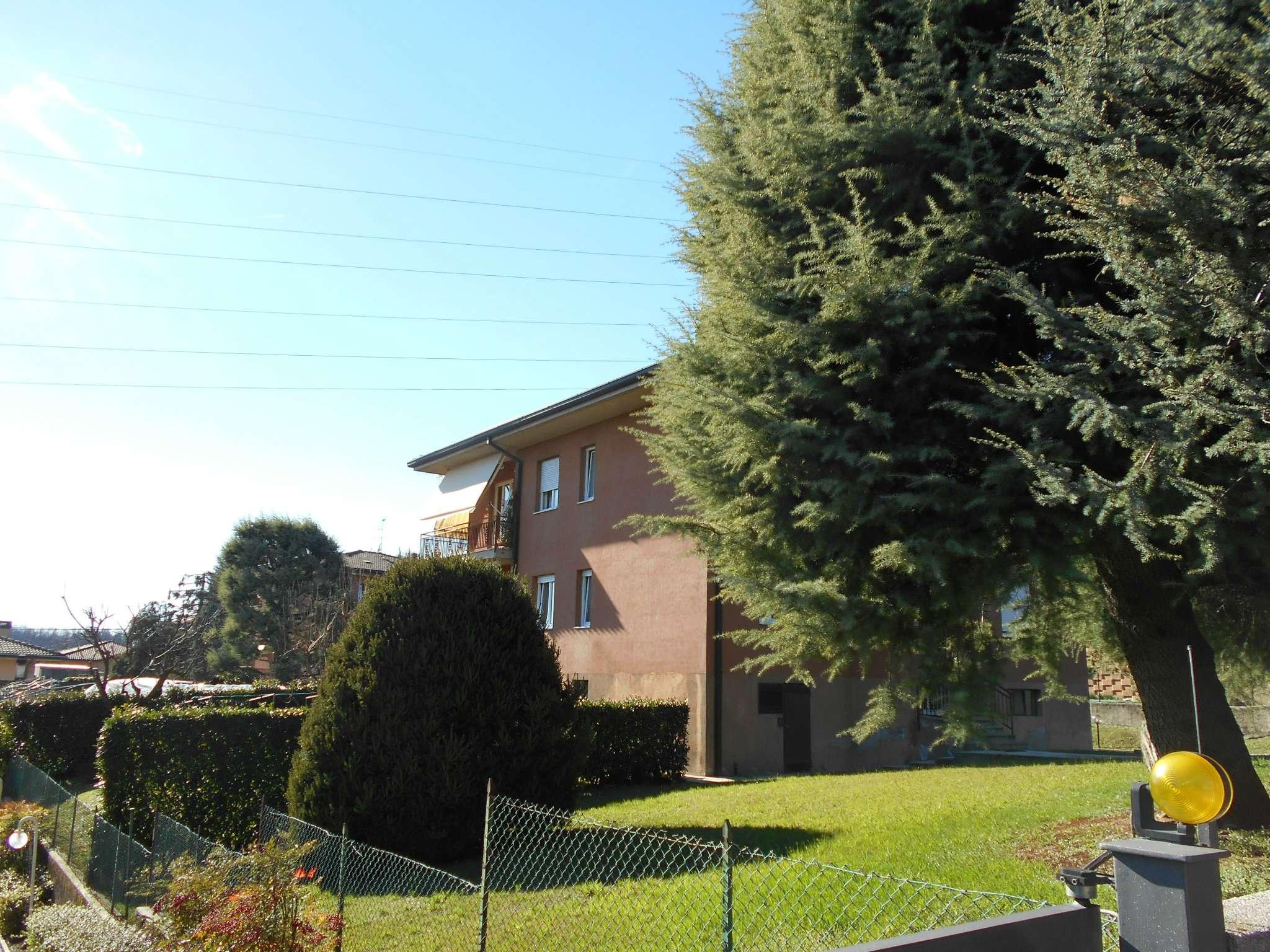 Appartamento in buone condizioni parzialmente arredato in vendita Rif. 5019421