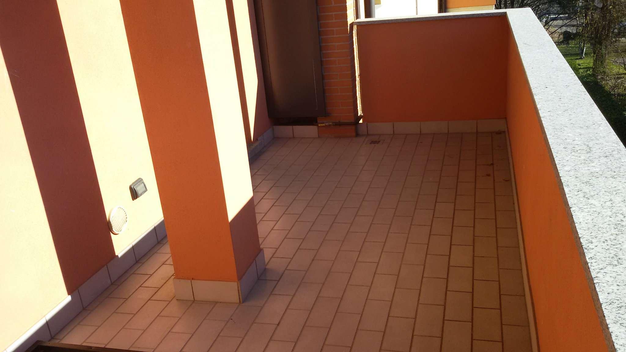 Recentissimo con terrazzino box e cantina