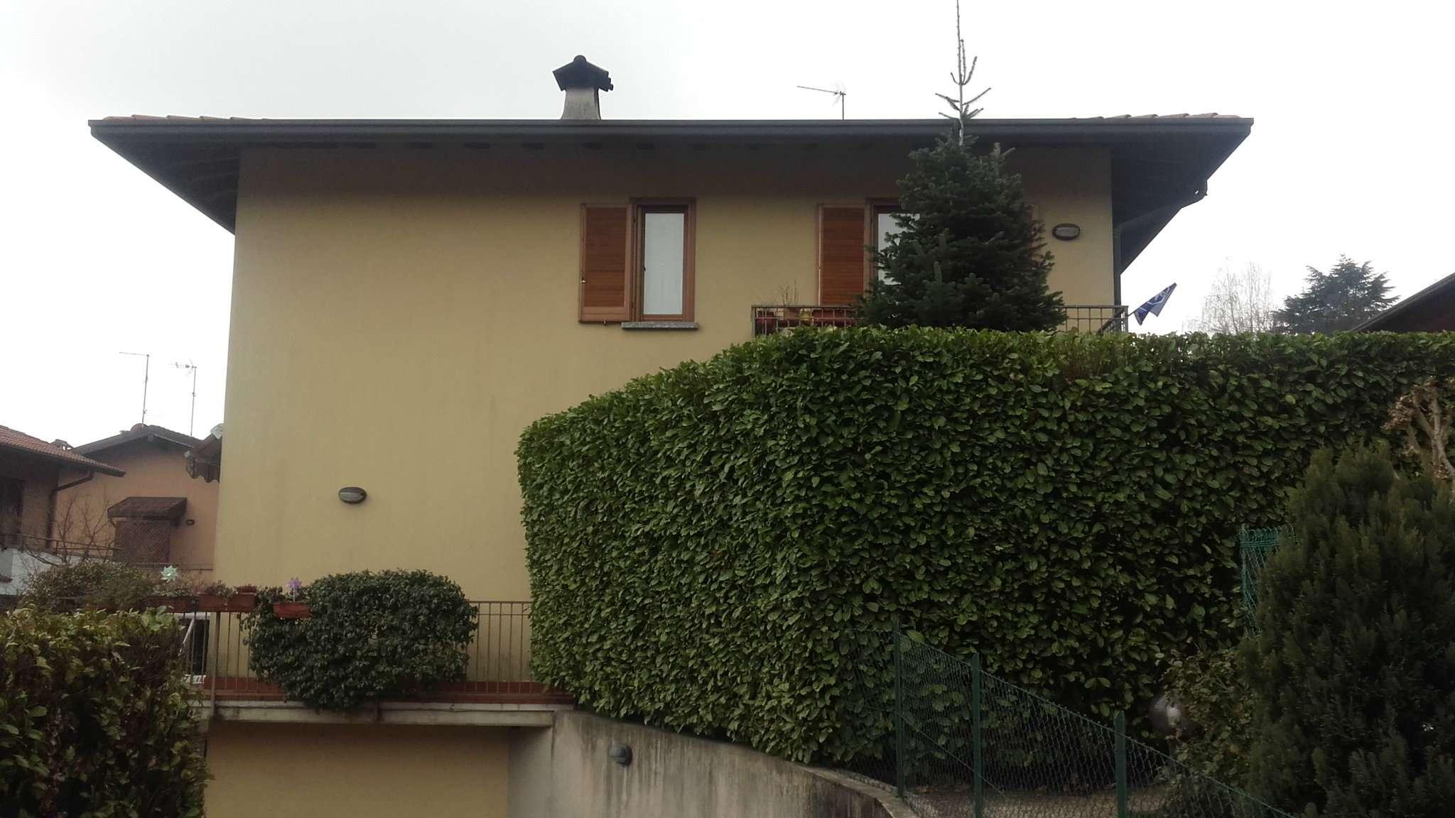 Appartamento in buone condizioni arredato in affitto Rif. 6074815