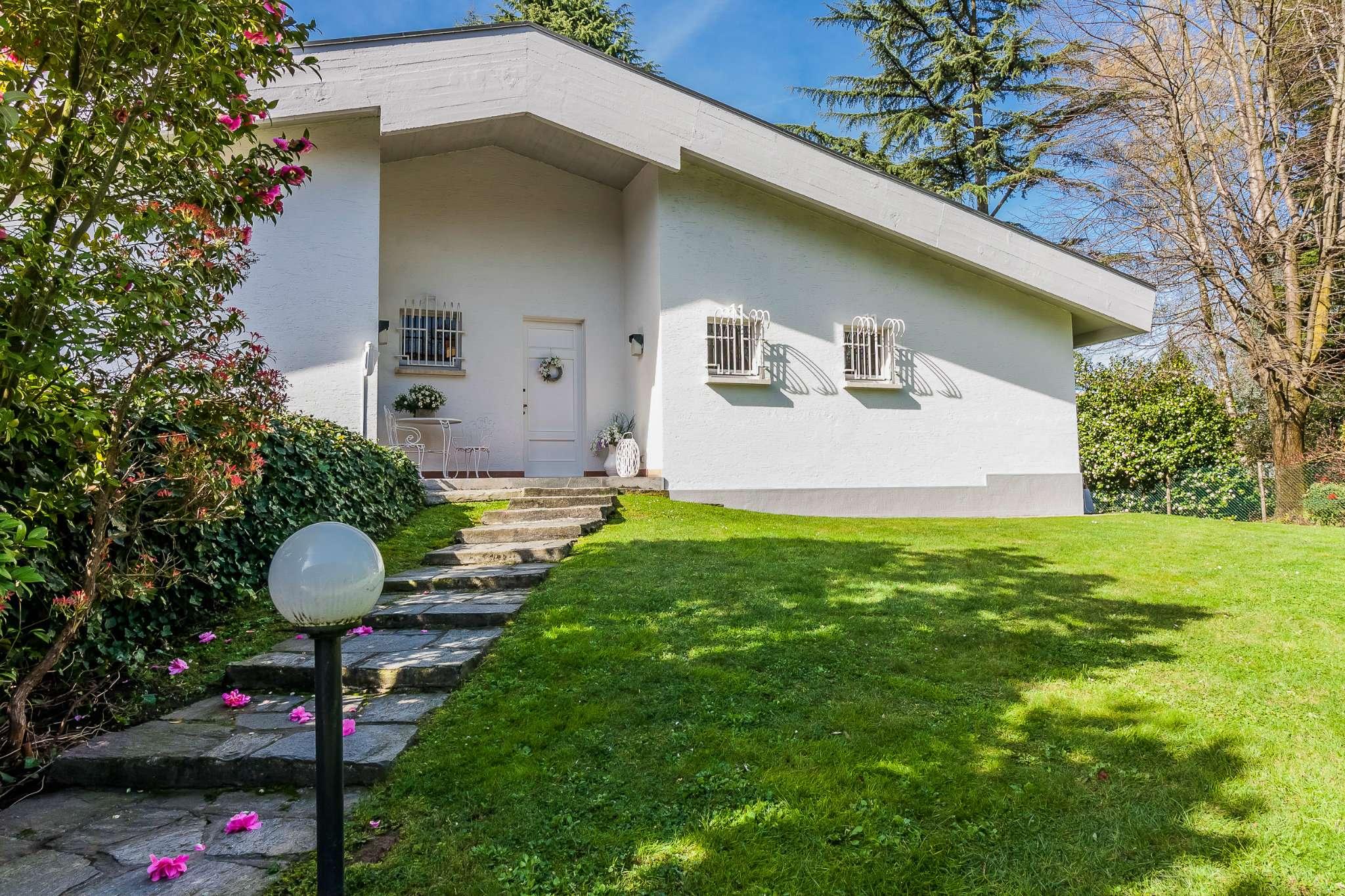 Villa in vendita a Carimate, 8 locali, prezzo € 595.000 | PortaleAgenzieImmobiliari.it