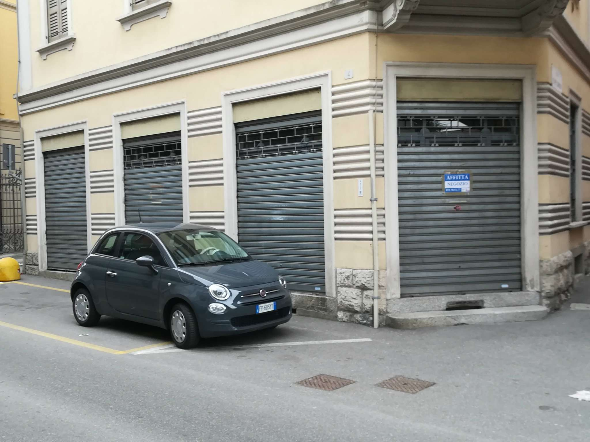 Negozio / Locale in affitto a Cantù, 3 locali, prezzo € 700 | PortaleAgenzieImmobiliari.it