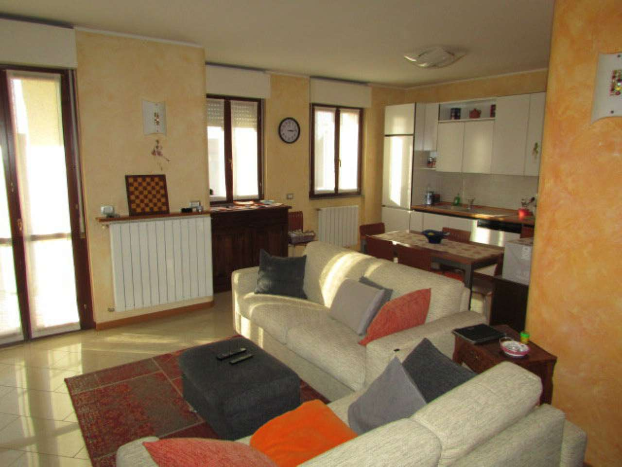 Appartamento in vendita a Figino Serenza, 3 locali, prezzo € 124.000 | PortaleAgenzieImmobiliari.it
