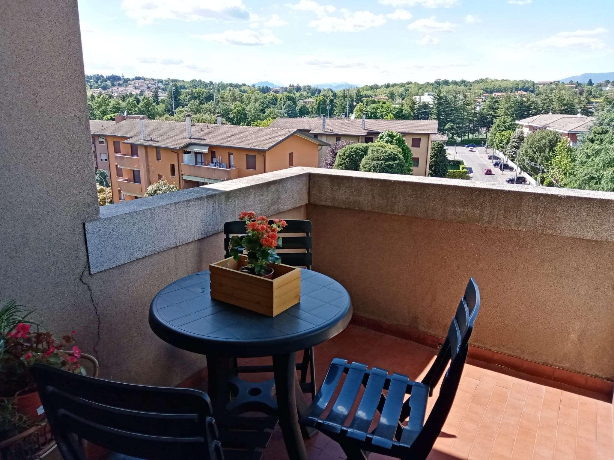 Appartamento in vendita a Cantù, 3 locali, prezzo € 139.000 | PortaleAgenzieImmobiliari.it
