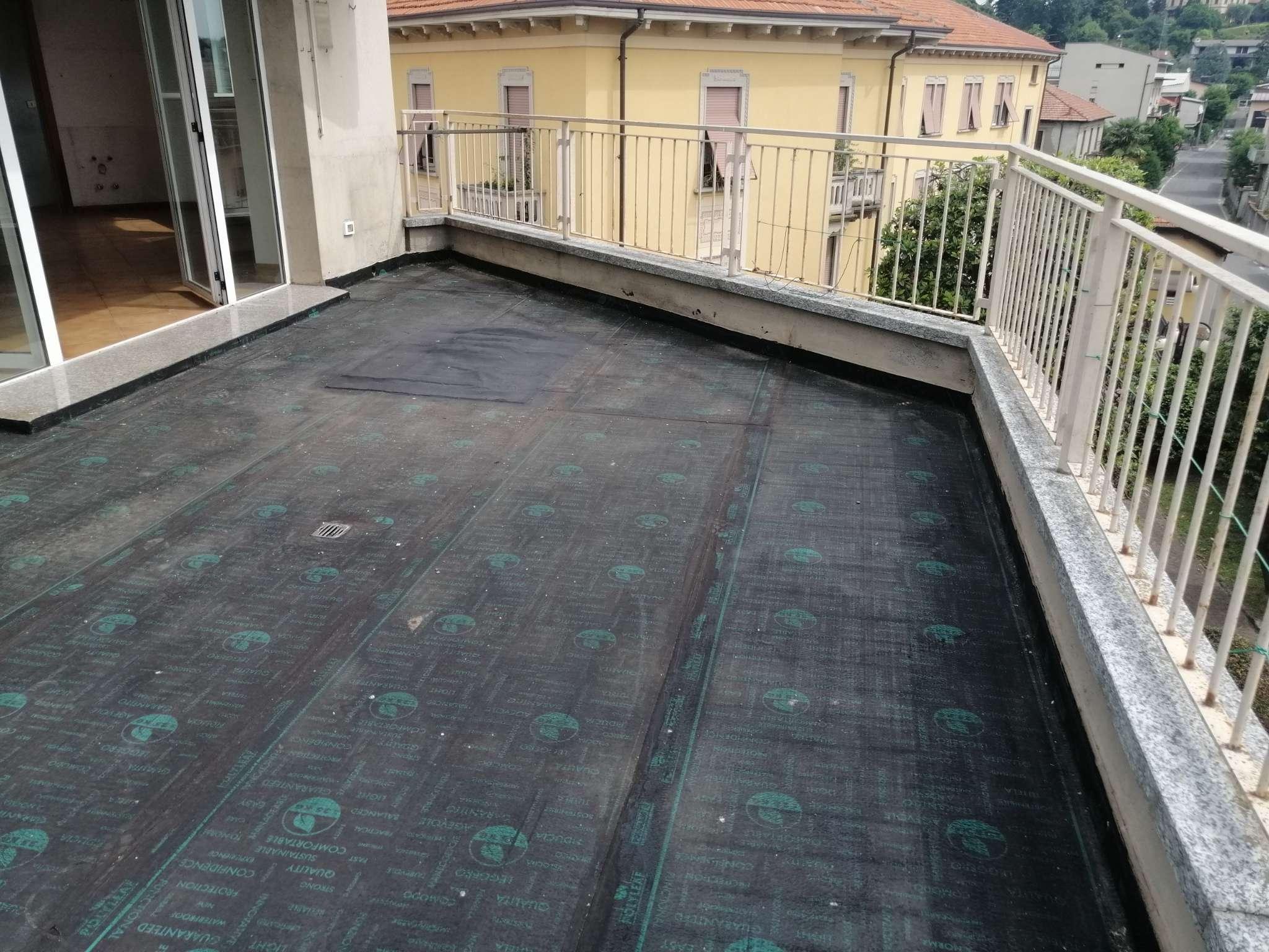 Attico / Mansarda in vendita a Cantù, 3 locali, prezzo € 138.000 | PortaleAgenzieImmobiliari.it