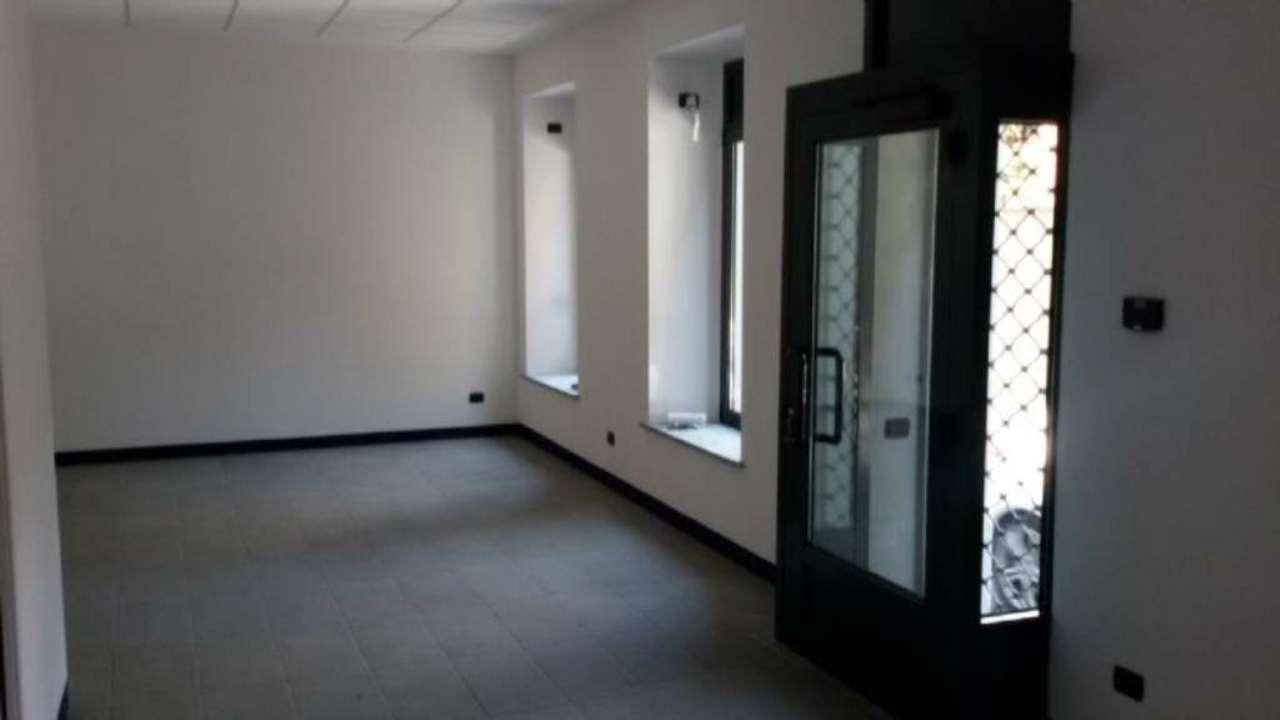 Negozio / Locale in affitto a Cantù, 2 locali, prezzo € 480 | PortaleAgenzieImmobiliari.it