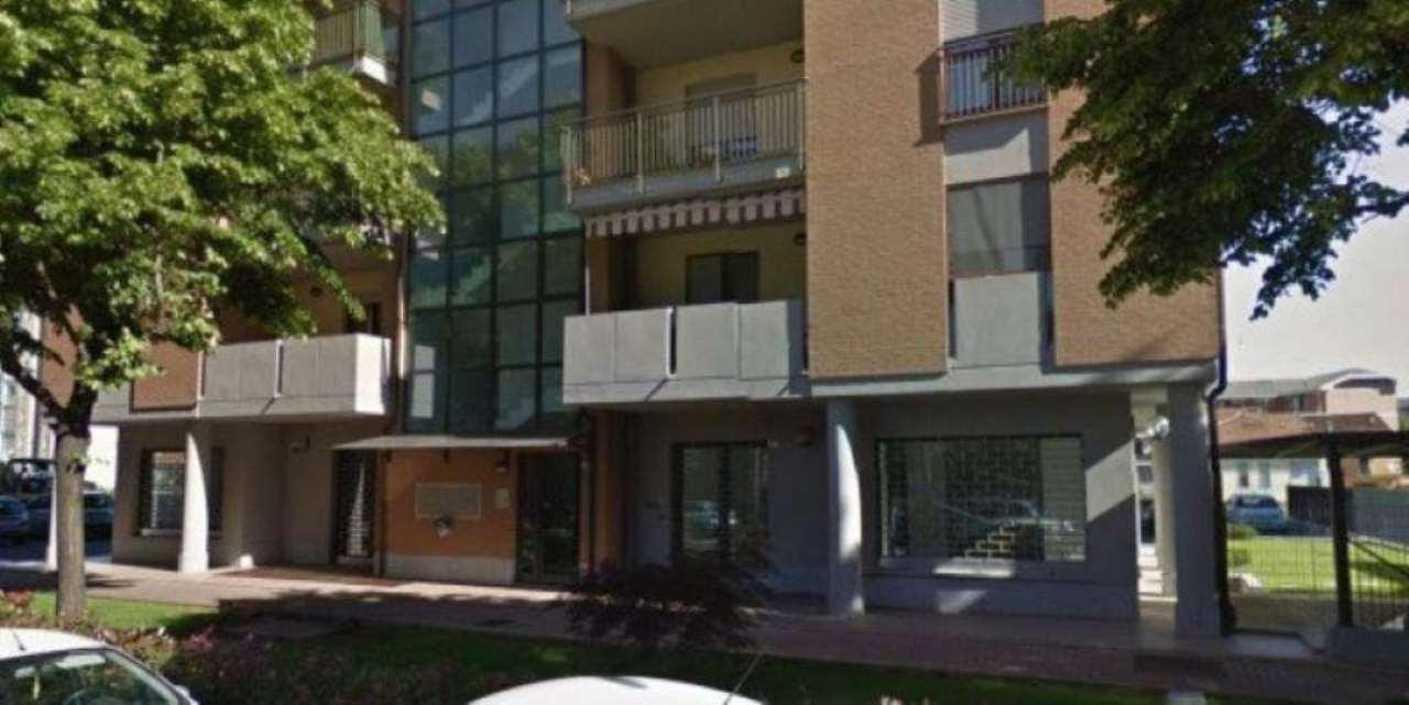 Negozio / Locale in vendita a Chivasso, 2 locali, prezzo € 135.000 | PortaleAgenzieImmobiliari.it