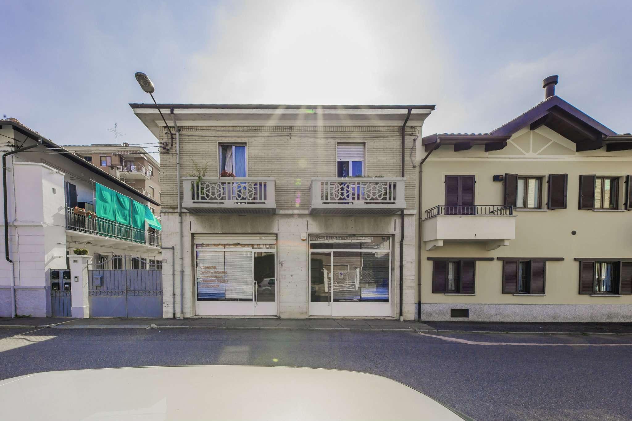 Negozio in affitto via Roma Collegno