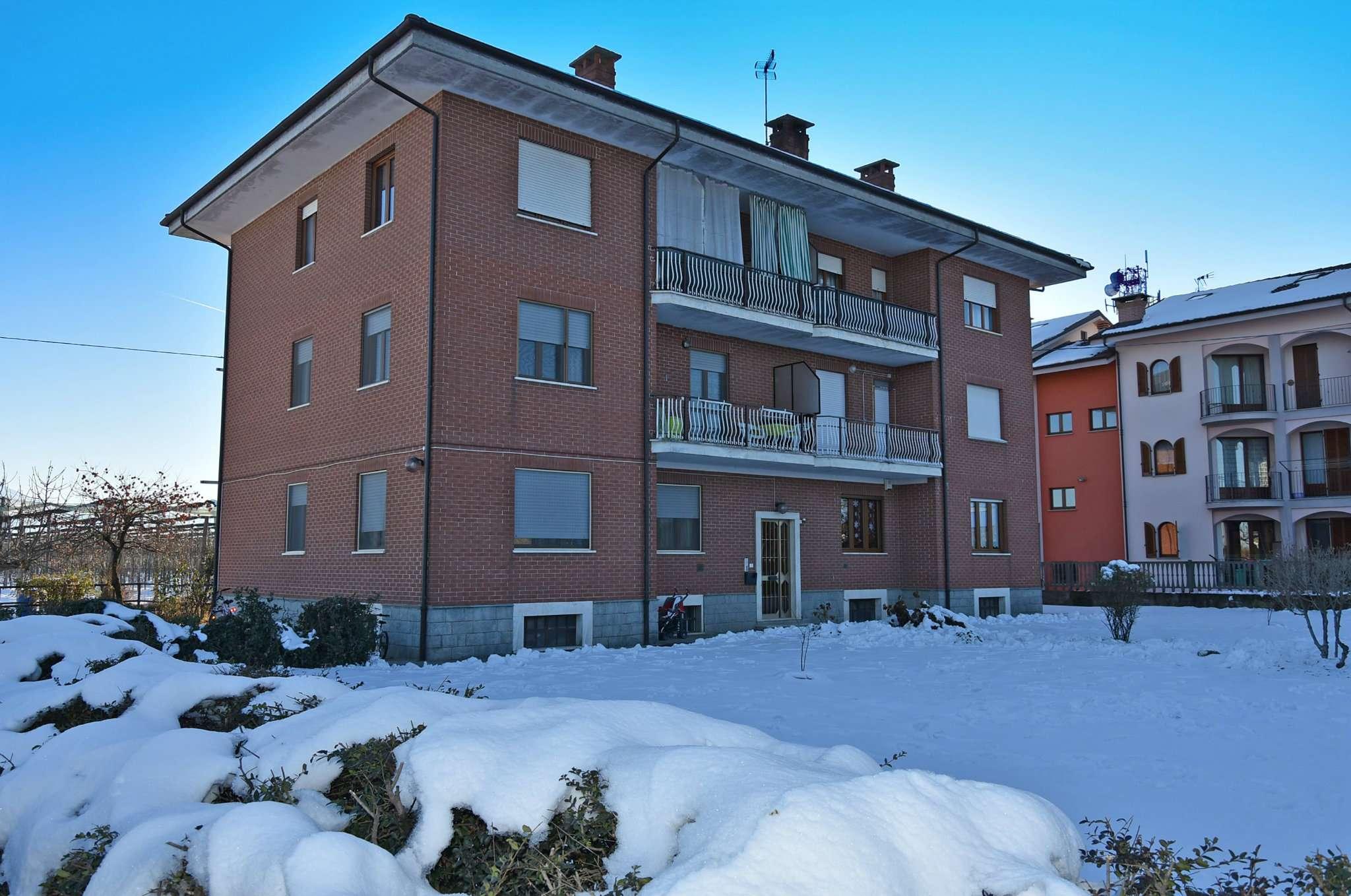 Appartamento in buone condizioni in affitto Rif. 5022011