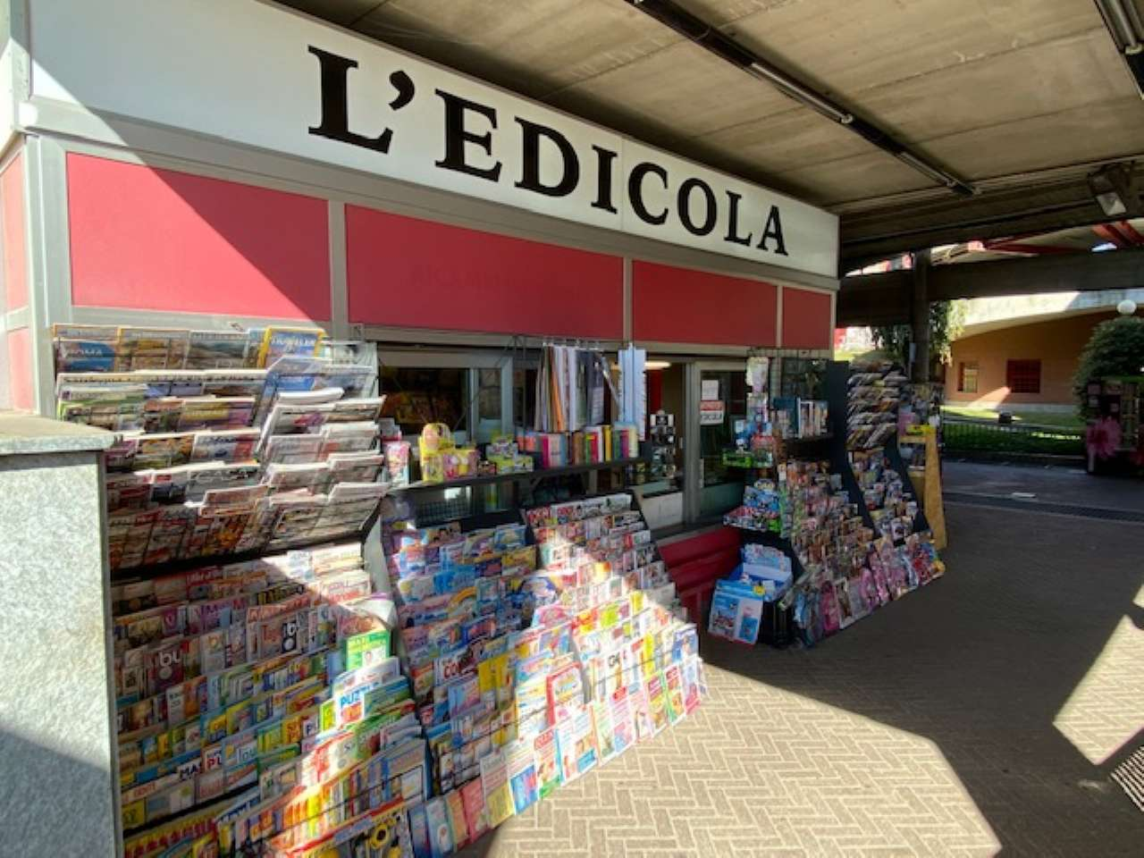 Attività / Licenza in vendita a Rivoli, 1 locali, prezzo € 40.000   CambioCasa.it