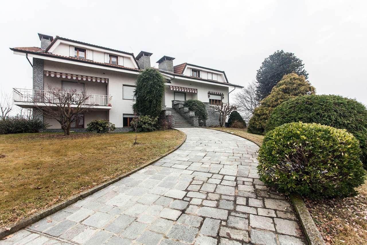 appartamento al primo piano di mq. 100 con giardino condominiale
