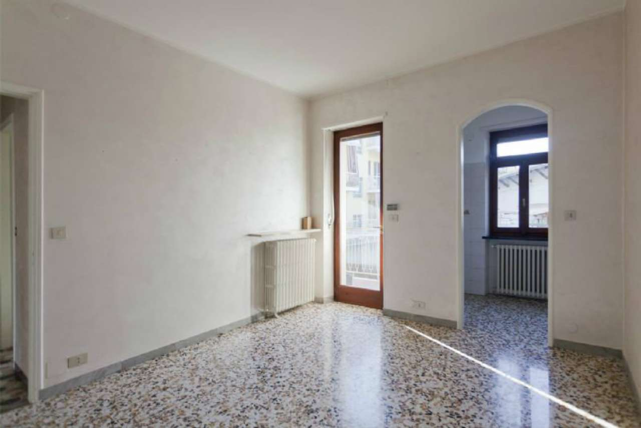 appartamento trilocale al piano rialzato di mq. 75