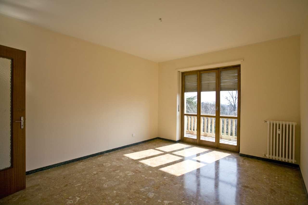 Appartamento in ottime condizioni in affitto Rif. 6879460